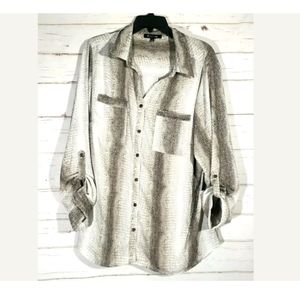 Nwt Relativity Womens Snake Skin Button Down Shirt